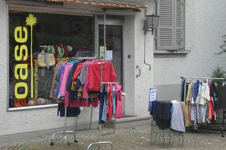 "Der Second Hand-Laden ""Oase"" in Oberwangen bei Bern"