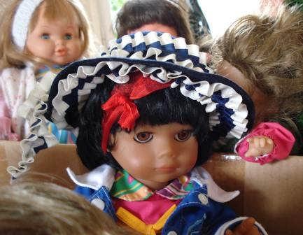 Puppenaugen, die Kinderaugen in Moldawien zum Leuchten bringen werden